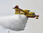 Veliki požar na Čiovu gase dva kanadera i stotinu vatrogasaca