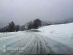 Ugažen snijeg i poledica na kolnicima