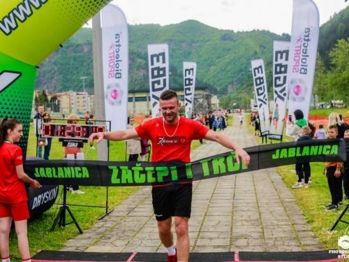 FOTO: ''Rama u srcu'' osvojila prvo i drugo mjesto u muškoj štafeti polumaratona u Jablanici