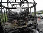 Vozač zapalio autobus bijesan zbog smanjenja plaće, poginulo 11 djece