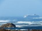 Norveški kruzer s 1300 putnika pluta prema kopnu