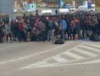 """Kronen Zeitung"": Oko 20.000 naoružanih migranata sprema se ući u EU iz BiH"