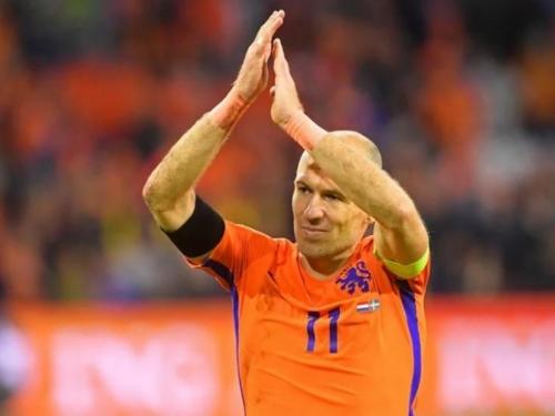 Legendarni Nizozemac ne zna ostaje li u Bayernu