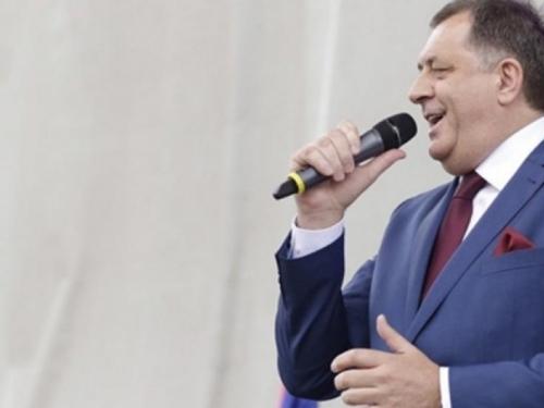 Dodik: Bošnjacima nitko nije dužan plaćati štetu, davati donacije i raditi umjesto njih