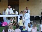 FOTO: Započela trodnevnica u župi Rama-Šćit, prvašići darovani prigodnim darovima