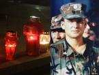 FOTO: Paljenjem svijeća u Prozoru odana počast Anti Pavloviću
