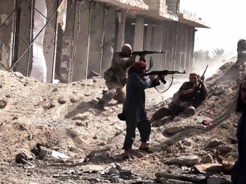 Optuženi za ratovanje u Siriji ostaju u pritvoru