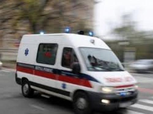 Žena ispala iz auta koji je vozio njen sin