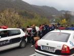 """Grupa migranata iz hotela """"Sedra"""" ide prema Bihaću"""