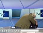 VIDEO: Usred emisije skočio na voditeljicu i počeo je ljubiti