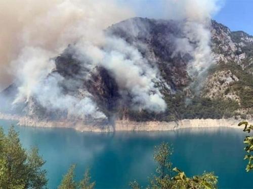 Stanje u Jablanici alarmantno: Ugroženi objekti na lokaciji Komadinovo vrelo