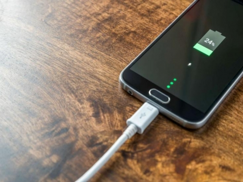 Trikovi kako da brže napunite bateriju mobitela