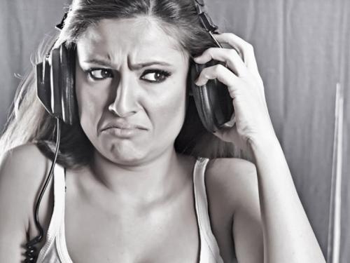 Zašto nam je zvuk vlastitog glasa neugodan?