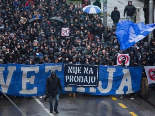 Veliki prosvjed ispred Maksimira: BBB prosvjeduju protiv Mamića