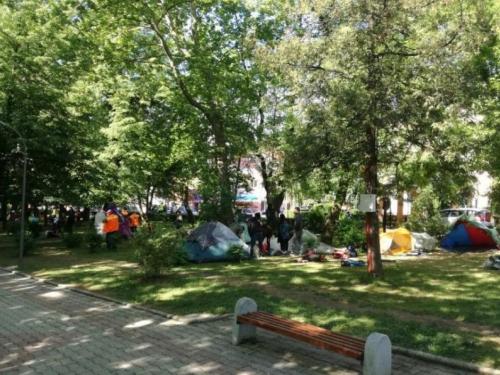 Uklonjeno migrantsko naselje: 'Iz Sarajeva nam šalju problem'
