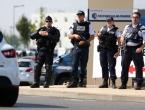 Policajka nožem teško ozlijeđena u pariškom predgrađu, napadač ubijen