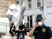 Zaposlenik Veleposlanstva SAD organizator prosvjeda protiv Katoličke crkve u Sarajevu?