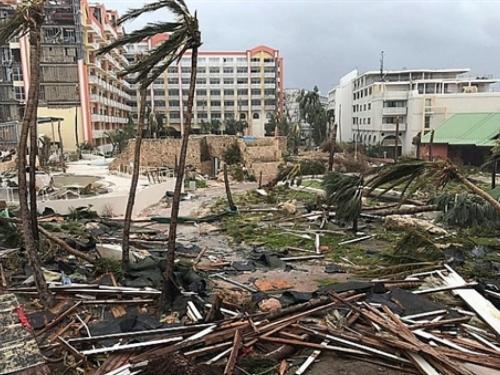 Irma ruši sve pred sobom, zabilježene ljudske žrtve
