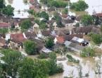 Kardinal Puljić obišao poplavljena mjesta; Orašju hitno potreban epidemiolog