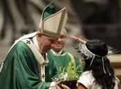 Papa želi da se zaustave ''predatori koji'' uništavaju Amazoniju