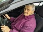 83-godišnja baka ruši stereotipe o ženama i automobilima