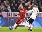 Bayern torpedirao Benficu, Roben briljirao