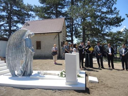 U Livnu otkriveno spomen obilježje slikaru Gabrijelu Jurkiću i supruzi Štefaniji