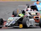 Očevim stopama: Mick Schumacher vozi Formulu 4