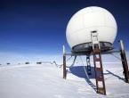 Čestice koje izlaze iz leda Antarktike zbunjuju znanstvenike