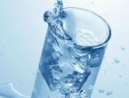 Zašto vodu ne biste smjeli piti tijekom jela?