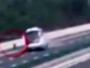 Autobusu otpali kotači u punoj brzini na autocesti!