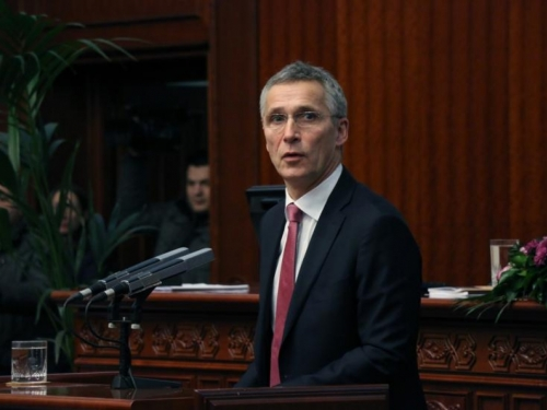 Stoltenberg priznao da Putin zabrinjava NATO