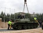 Postavljen tenk na spomen obilježju u Pologu