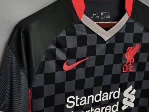 Liverpool i Vatreni ove će sezone igrati u identičnim dresovima!
