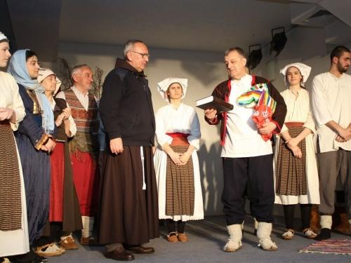 "FOTO: Na Šćitu izvedena predstava ""Diva Grabovčeva"""