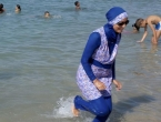 Panika u Splitu: Žene u burkiniju i muškarci s crnim torbama prestravili kupače