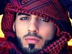 Izbačen iz Arabije jer je previše zgodan!