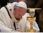 Papa upozorio na povećanu opasnost od nasilja u obitelji