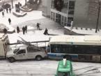 Snježna oluja u Montrealu prouzročila kaos u gradskom prometu