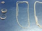 Dadilja pokrala Hercegovce: Ukrala skupocjeni zlatni nakit