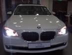 Novi BMW platila hrpom sitniša, novac brojali satima