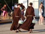 Zbog manjka svećenika Crkva bi mogla ukinuti celibat