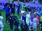Nakon tučnjave igrača, grčki navijači se potukli sa specijalcima