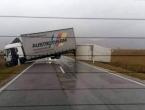 Kamion uklonjen, promet na Kupresu normaliziran