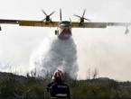 Tomislavgrad: Požarišna linija dulja od 30 km, ponovo traže pomoć kanadera