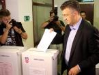 Prvi rezultati: HDZ 62, mandata, SDP 52, MOST 13, a Živi zid 7 mandata