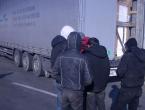 Migranti u Bihaću spas od hladnoće traže u kladionicama i kafićima