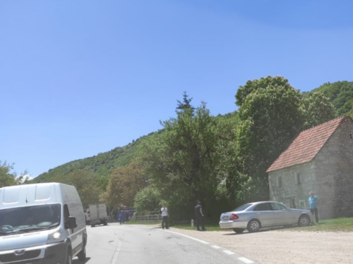 Zbog teške prometne nesreće obustavljen promet od Tomislavagrada prema Posušju