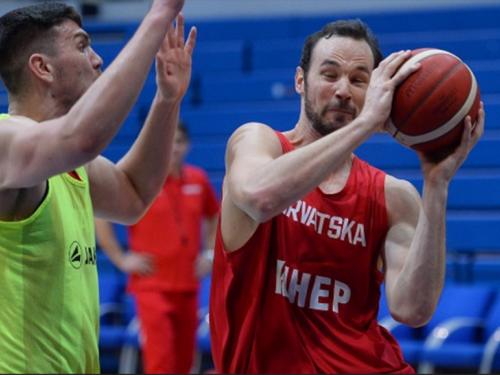 Odlična Hrvatska porazila Tursku i praktički osigurala Eurobasket