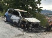 Zapaljen automobil pripadnice Oružanih snaga koja je ranila muža